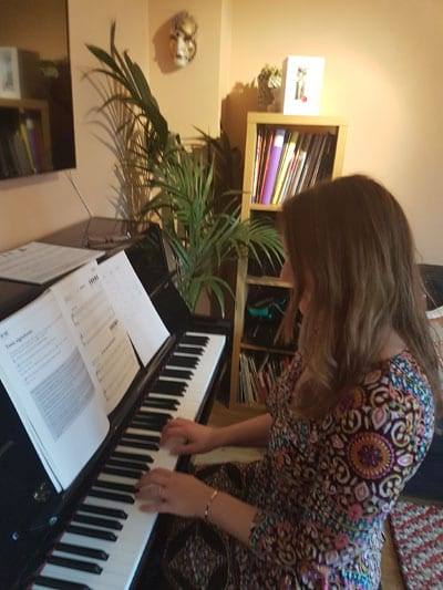 The Milton Keynes Recycling sing-along song - YouTube